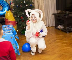 аниматор для ребенка заяц зайка